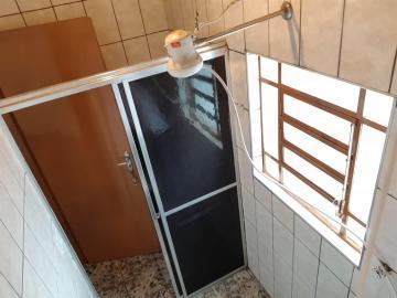 Alugar Apartamento / Padrao em Pradópolis. apenas R$ 1.200,50