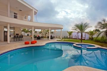 Casa / Padrão em Pradópolis Alugar por R$1.500,00