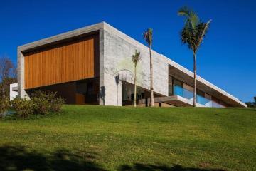 Alugar Casa / Condominio em Pradópolis. apenas R$ 4.000,00